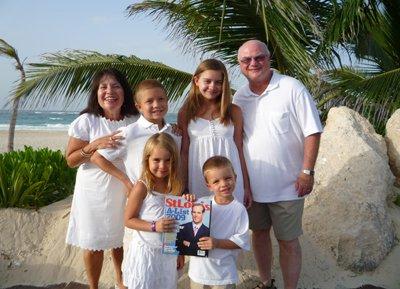 Mercedes Stephenson, Michael Neel, Monica Neel, Daryl Stephenson, Lucia Umbreit & Hugo Umbreit in Punta Cana, Dominican Republic