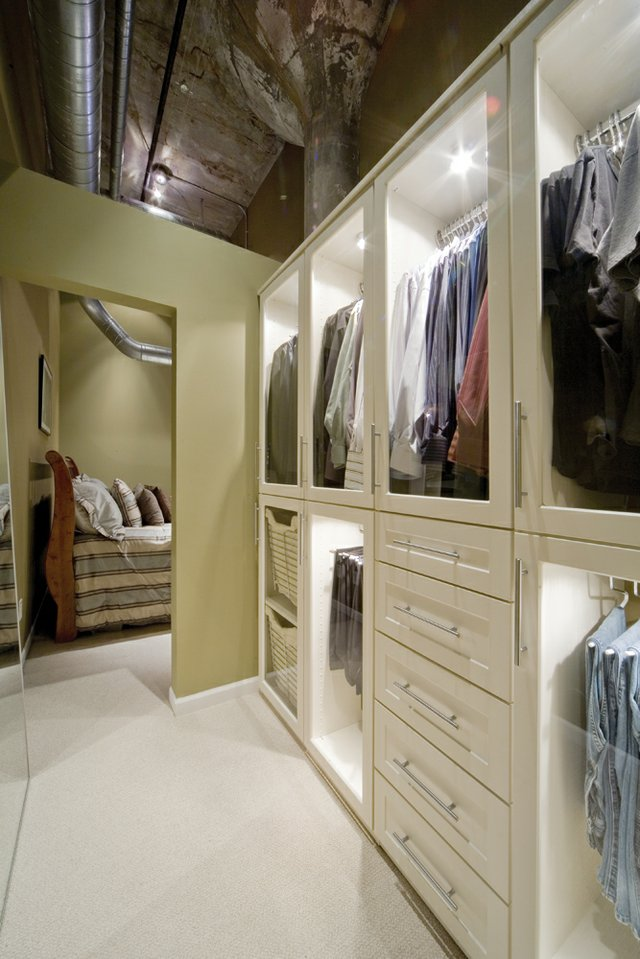Category 20: Closet