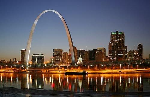 500px-St_Louis_night_expblend.jpg