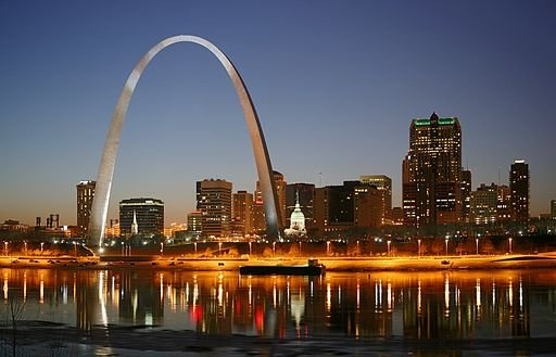 512px-St_Louis_night_expblend.jpg