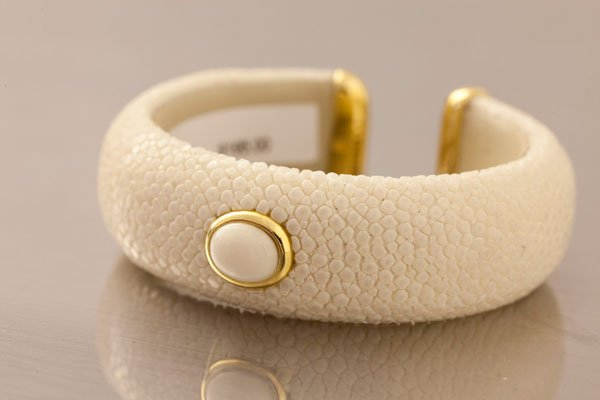 Senti Jewelry ivory stingray cuff