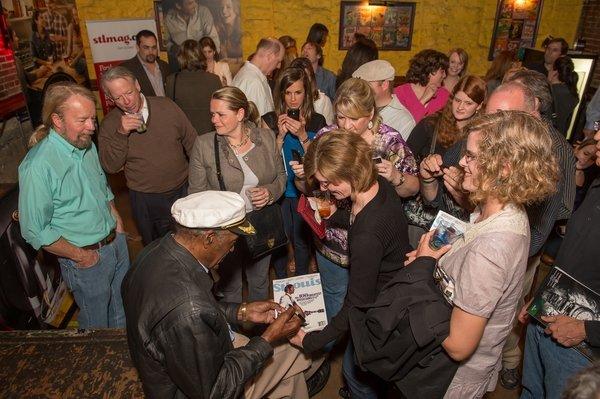 Chuck Berry Signing Autographs.JPG
