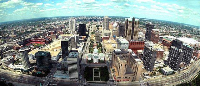 800px-St._Louis_Arch_-_Downtown_View.jpg