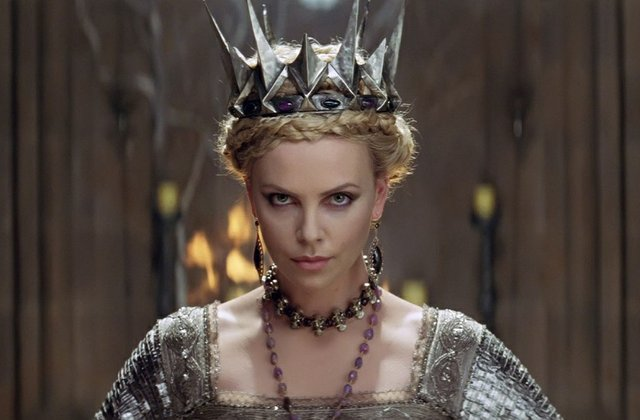 2012_snow_white_and_the_huntsman_charlize_theron_ravenna2.jpg