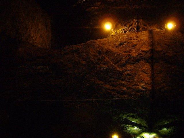 101133-cave.jpg