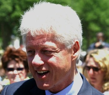 Bill_Clinton_closeup_at_dedication_of_WWII_memorial_May_2004.jpg
