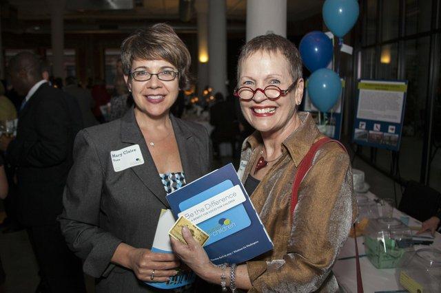 Mary Claire Voss, Pamela Dern