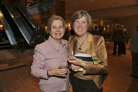 Renee Bennett, Kay Alvis