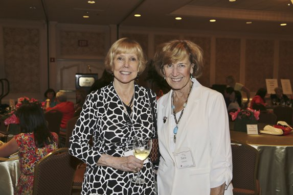 Sue Scott, Sara Seymour