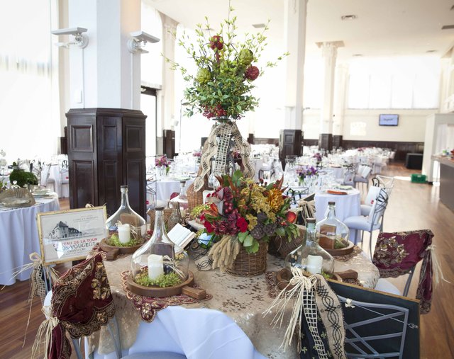 Tabletop Design by Three French Hens and Jeanie Hood