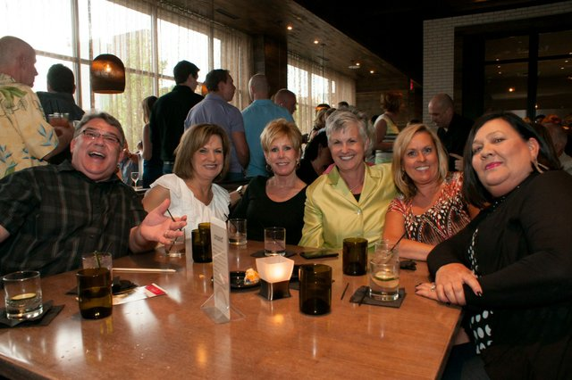 Large Group Table Shot - Larry Tucker, Joann Meyer, Jan Dunham, Phylls Schnieder, Sally Vaccaro, and Dana Martin