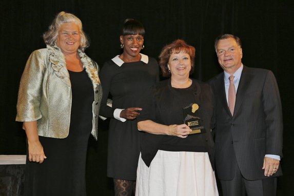 Maureen Moore, Jackie Joyner-Kersee, Honoree Julie Burchett, Greg Boyce