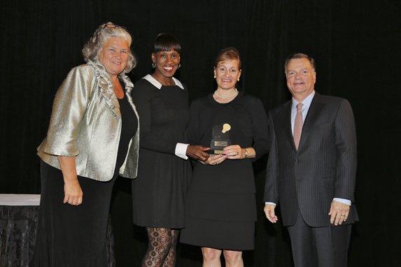 Maureen Moore, Jackie Joyner-Kersee, Honoree Therese Hembruch, Greg Boyce
