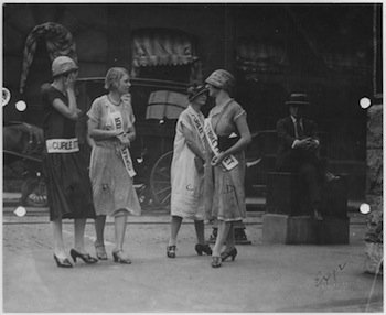 Women_and_a_few_men_picketing_the_Curlee_Colthing_Co._St._Louis._-_NARA_-_283588.jpg