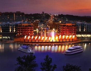 Branson-Landing-Cruises-Night.jpg