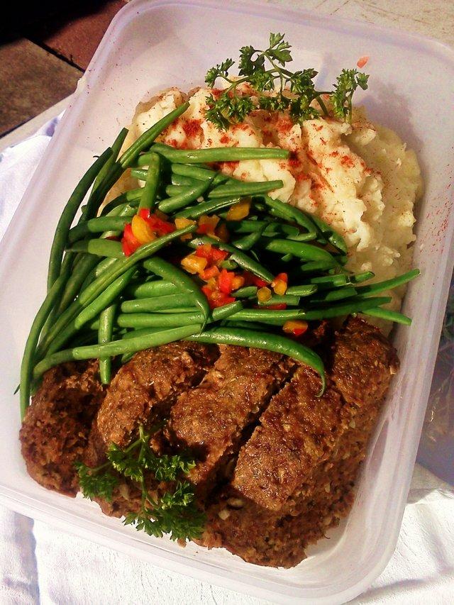 meatloaf-dinner1.jpg