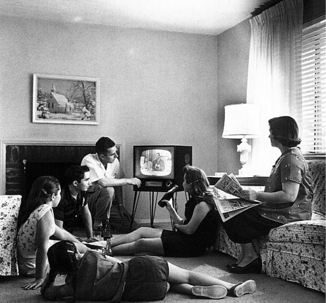 645px-Family_watching_television_1958.jpg