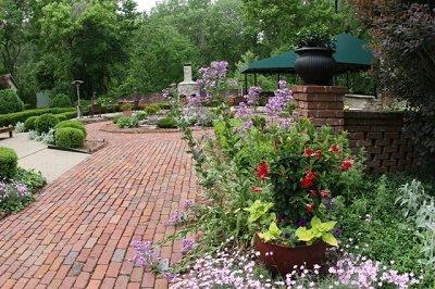 IMG_0041_garden_400.jpg