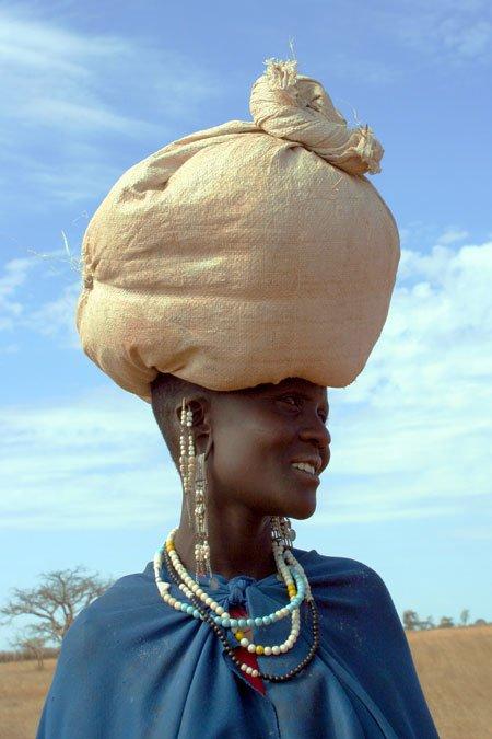 Lady-bag-on-head.jpg