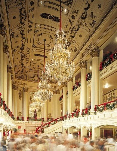 Powell_Foyer_Holiday_credit_Todd_Davis.jpg