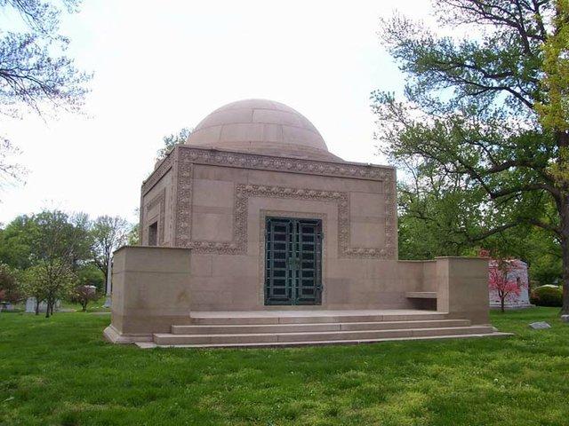 Naffziger Wainwright Tomb.jpg