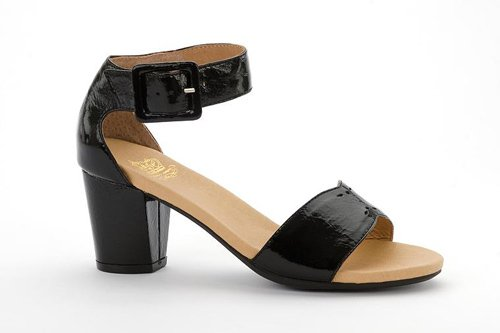 Spring 2015 Collection: The Thams in Black