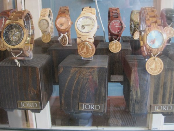 SLM Jord watches 2 9079.jpg