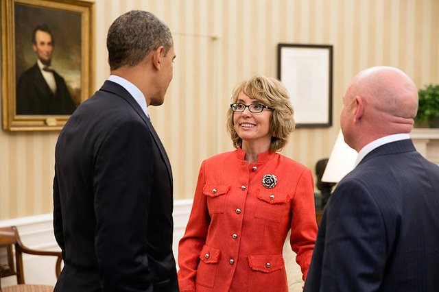 800px-Barack_Obama_with_Gabrielle_Giffords_and_Mark_Kelly.jpg