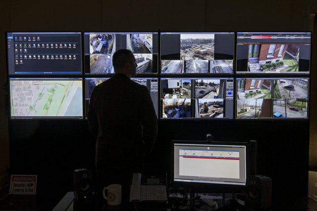 150325_surveillance_3.jpg