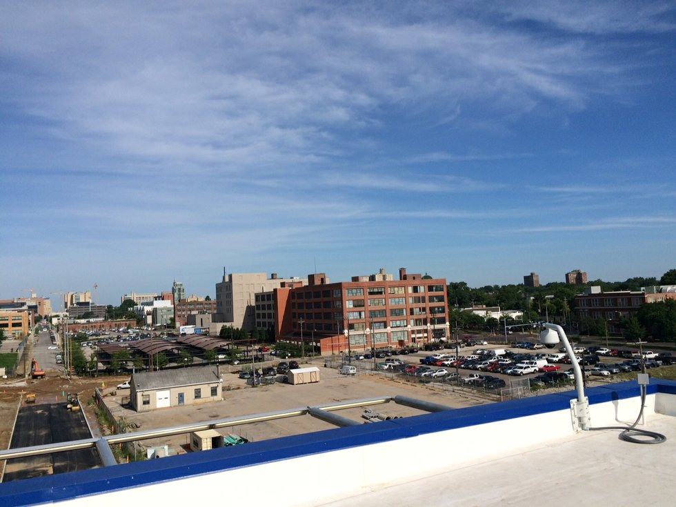 photos views of st louis from ikea 39 s rooftop. Black Bedroom Furniture Sets. Home Design Ideas