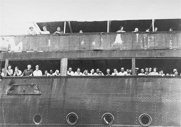 Jewish_refugees_WEB.jpg
