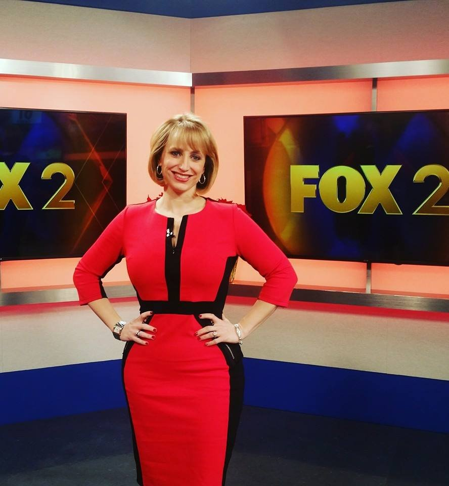 """Wedding Gowns St Louis: How A St. Louis Meteorologist Started The """"Amazon Dress"""