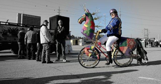banana-bike-brigade--mardia-gras-2016_24237440354_o.jpg