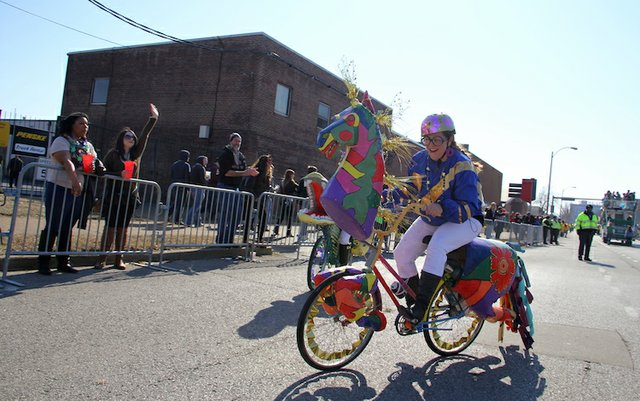 banana-bike-brigade--mardia-gras-2016_24497967539_o.jpg