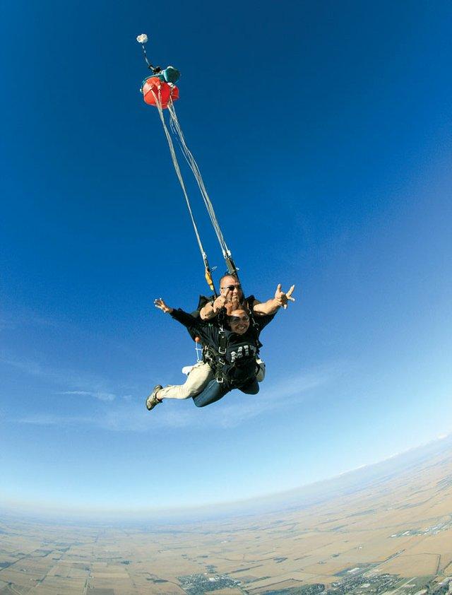 Skydiving-Kelsey-Mizeur.jpg