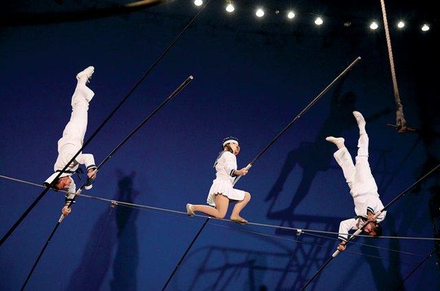 FlyingWallendas_circus_flora.jpg