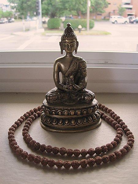 int kwan yin statue.jpg