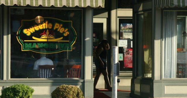 sweetie_pies_grove_closes.jpg
