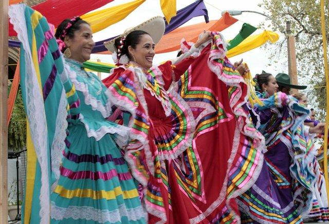 hispanic_festival_soulard_2.jpg