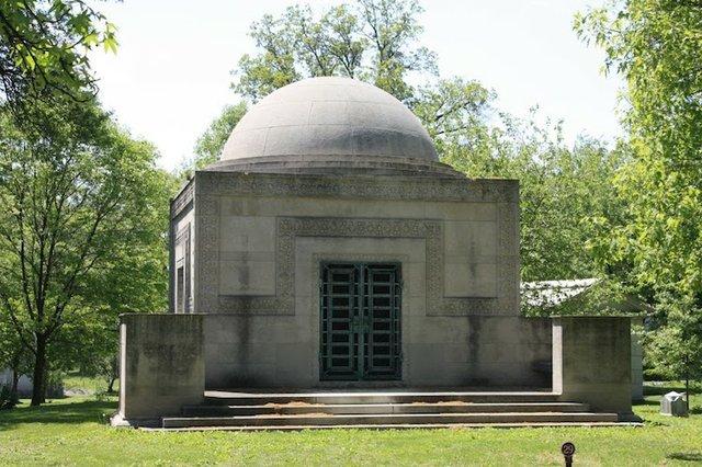 Wainwright Tomb.jpg