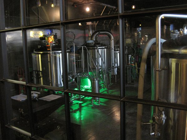 0760 brewhouse w green light slm.jpg