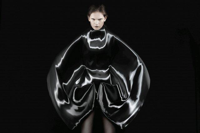 A Queen Within Adorned Archetypes Cretor Iris van Herpen Dress Micro 2012 Ronald Stoop x Iris van Herpen .jpg