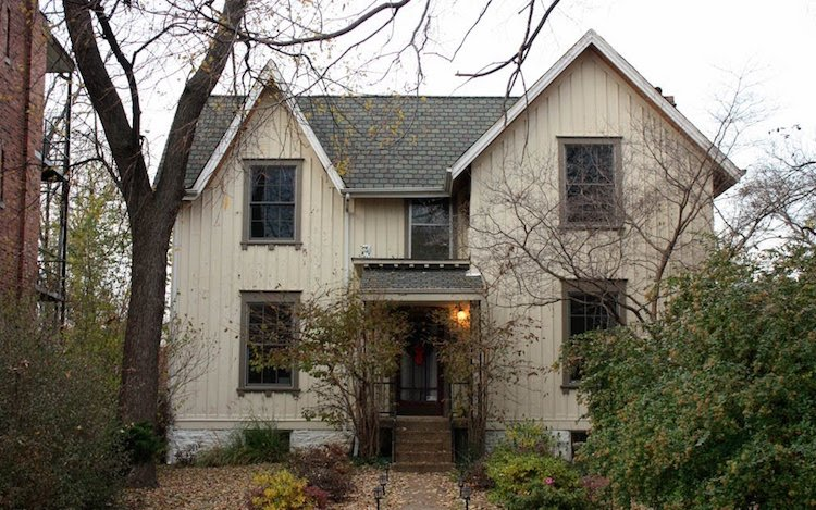 A look at st louis 39 rare carpenter gothic houses for Carpenter style homes