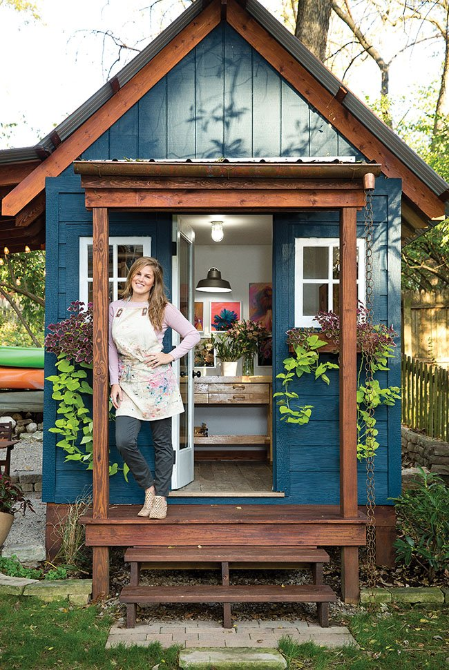 See inside designer rachel roe 39 s she shed for Garden shed small space