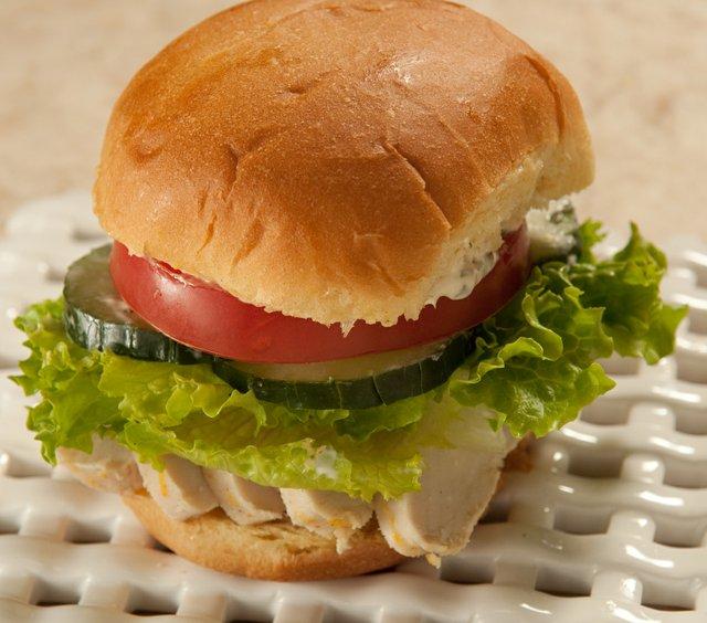 Lemony Chicken Sandwich (1 of 1).jpg
