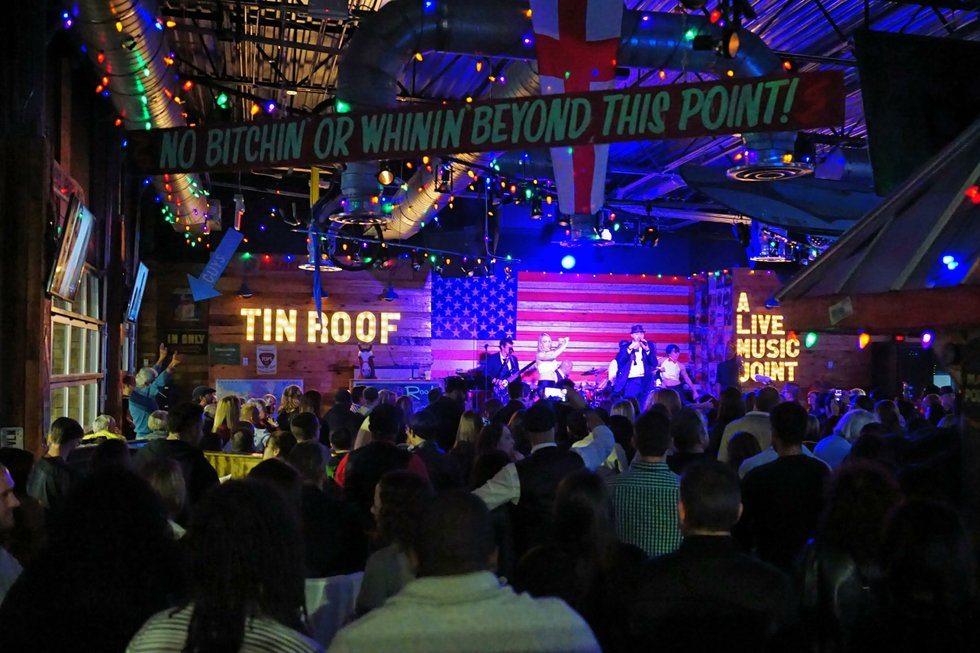 Popular Nashville Restaurant And Live Music Joint Tin Roof