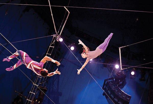 Circus Flora: The Pawn