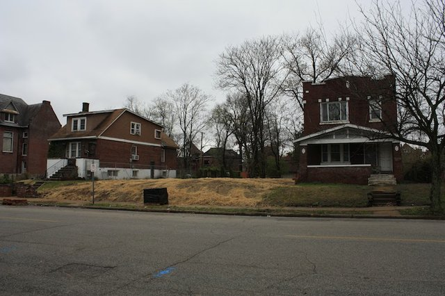 Vacant Lots in the 4300 Block of West Belle Place.jpg