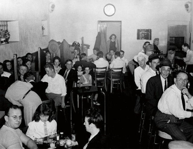 Tavern-inside.jpg