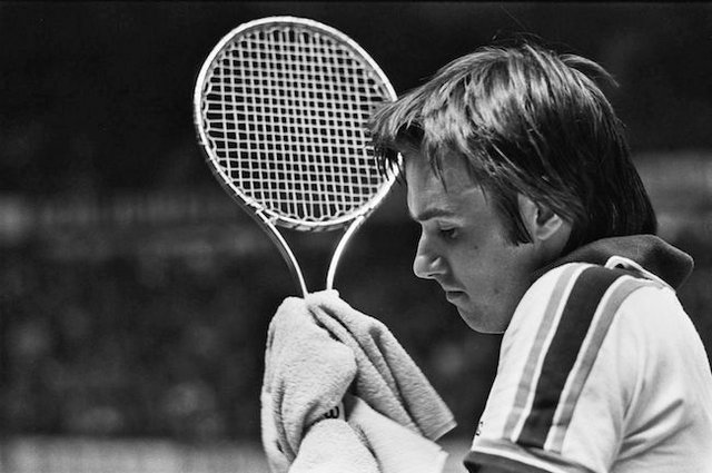 1200px-Jimmy_Connors_(1978).jpg
